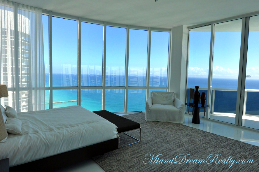 The Miami Beach Real Estate Re Views For February 2012